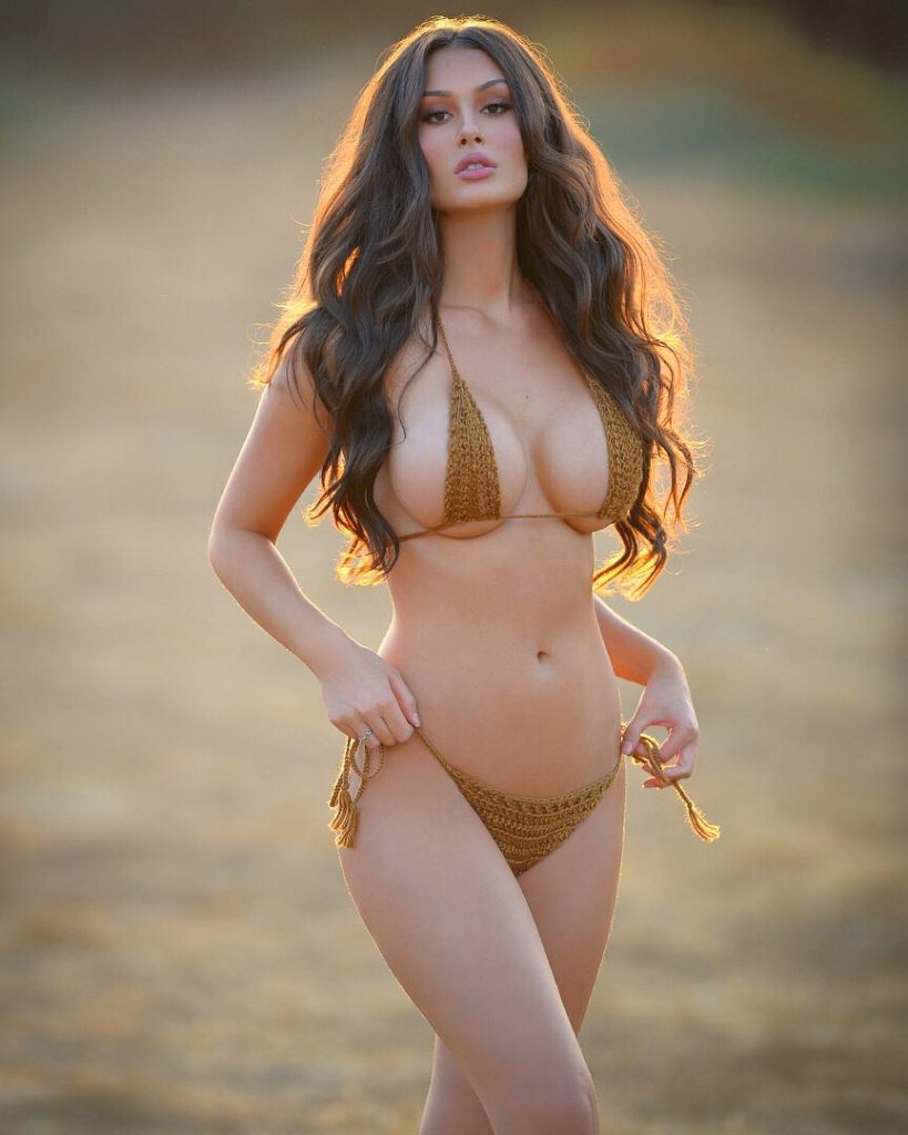 Kendra wilkinson blue bikini
